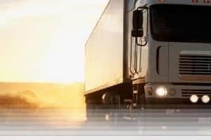 פורץ משאיות