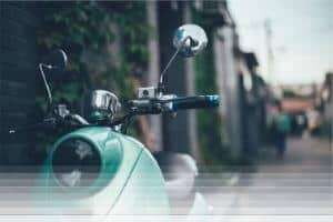 פורץ קטנועים